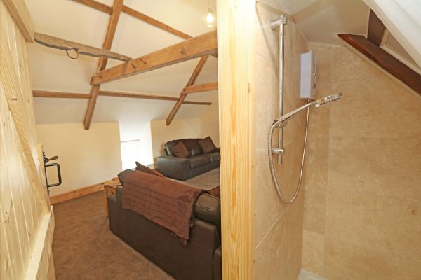 1 Coquet Lodge, Warkworth, shower room