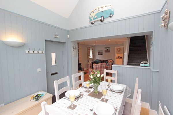1 Smugglers Cove, lovely dining area