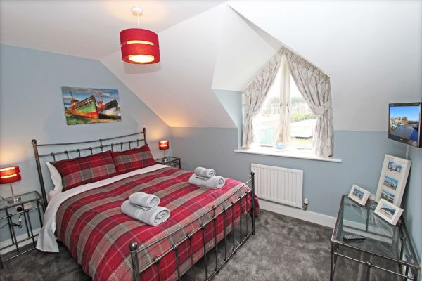 1 Smugglers Cove, lovely master bedroom
