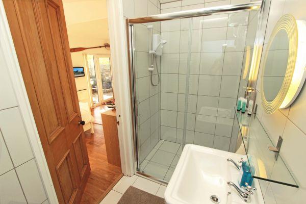 2 Bamburgh Gate, Bamburgh, modern shower room