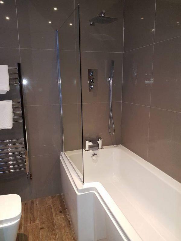 Premier Bathroom 1