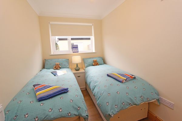 Beachcombers Retreat,twin bedroom