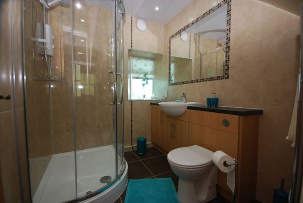 Luxury shower rooms