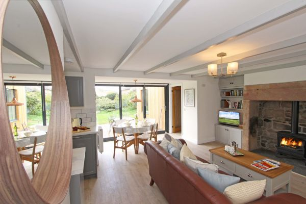 Bridge End Cottage, Rothbury, light and spacious living area