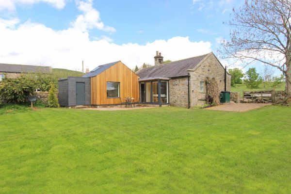 Bridge End Cottage, Rothbury, spacious garden