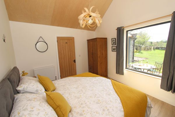 Bridge End Cottage, Rothbury, spacious master bedroom