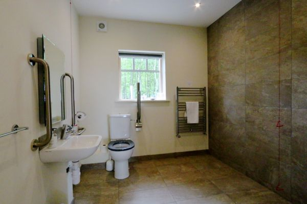 Accessible Wet Room - Lodge