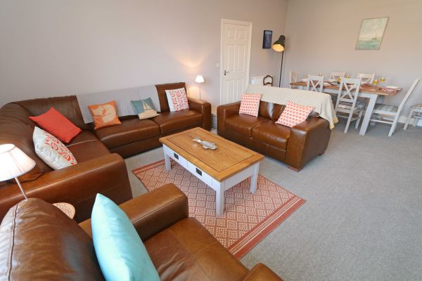 Charles Dickens House, Alnmouth - lounge area