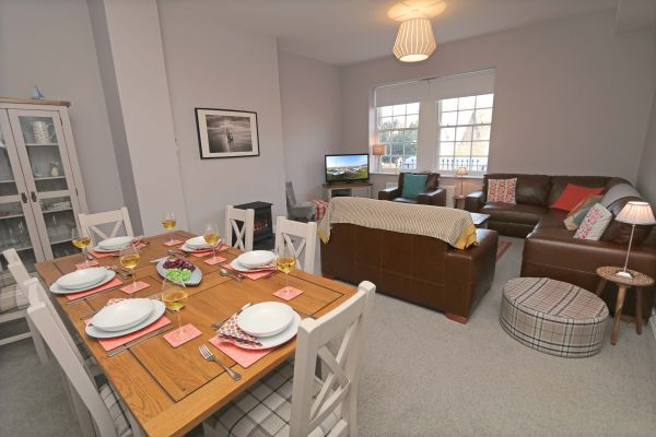 Charles Dickens House, Alnmouth - open plan lounge and dining area