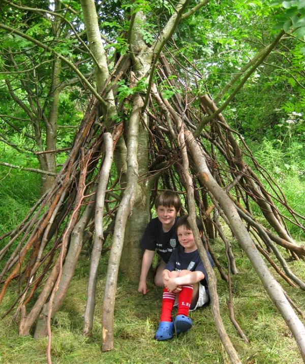 Den building at Cherryburn