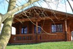 2 bed luxury log cabin