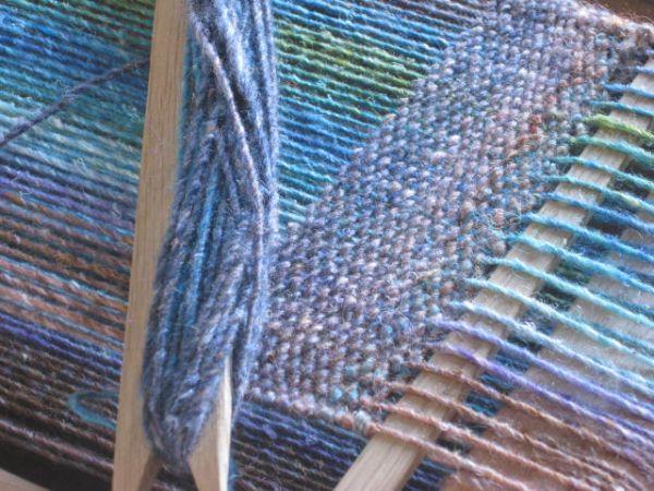 Weaving on a Brinkley loom