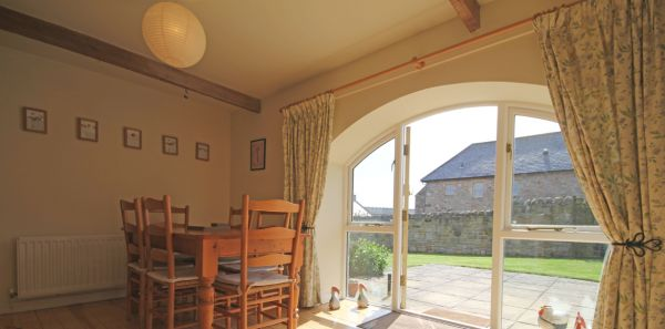 Courtyard Cottage, No 3 Dining