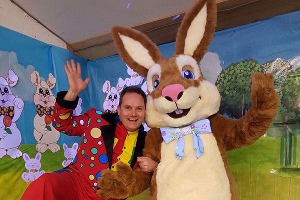 Easter Bunny & Magic Steve