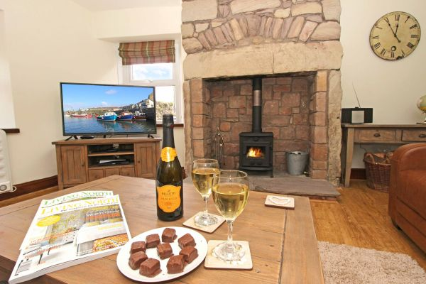 Gable Cottage, Seahouses, cosy log burner