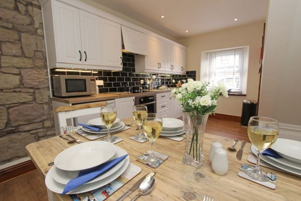 Gable Cottage, Seahouses, dining