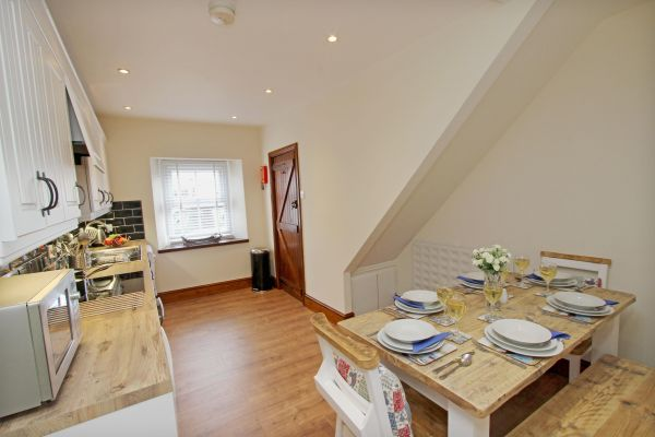 Gable Cottage, Seahouses dining area