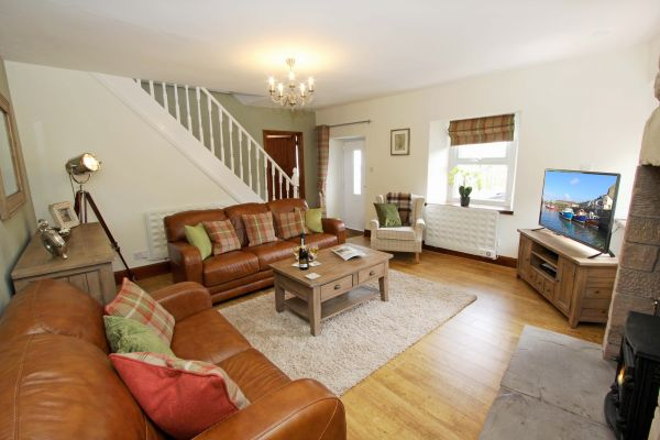 Gable Cottage, Seahouses, lovely spacious lounge
