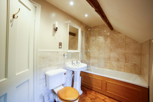 Coach House - Bathroom