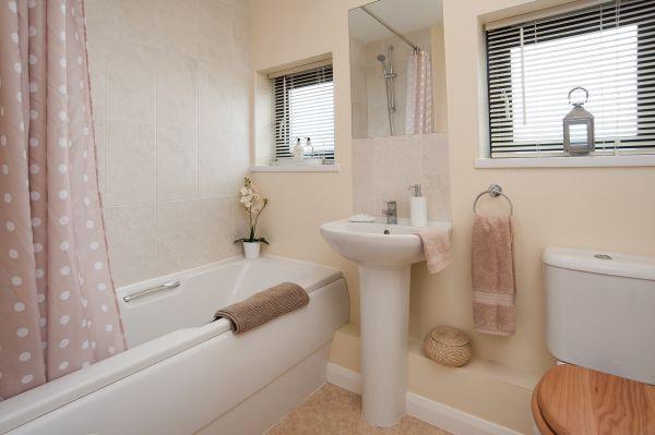 Vault Cottage Family Bathroom