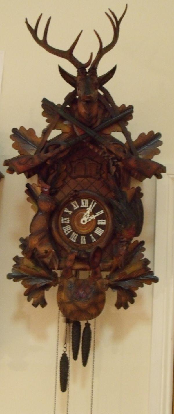 Giant Hunter's cuckoo clock