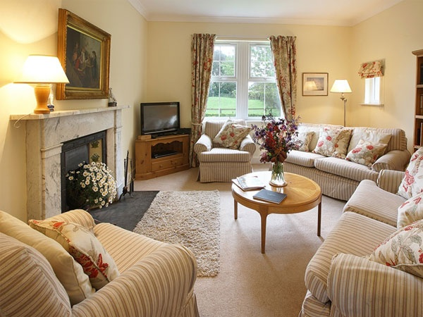 Wagtail Cottage sitting room