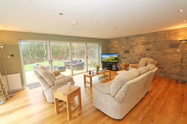 Quarry Haven, Bamburgh, spacious lounge