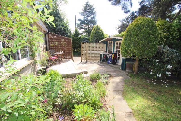 Summer house opposite cottage