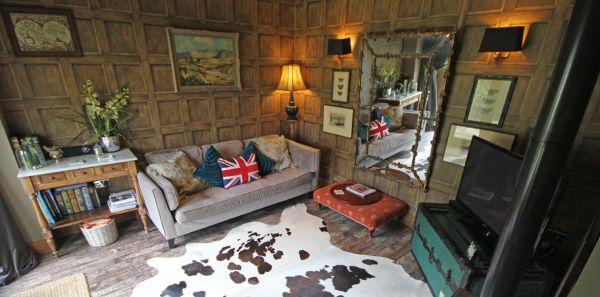 Thimble Lounge