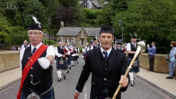 Robson Green Rothbury Highland Pipe Band