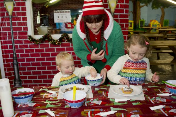 Decorate Christmas Cookies in the Bakery