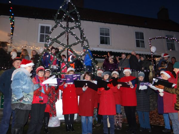 Wooler Famers' Market and Christmas lights switch on