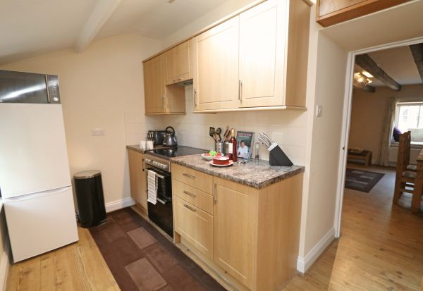 1 Coquet Lodge, Warkworth, kitchen area