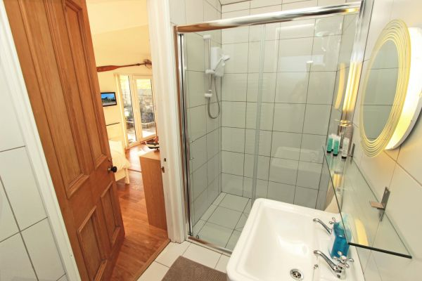 2 Bamburgh Gate, Bamburgh, modern shower room