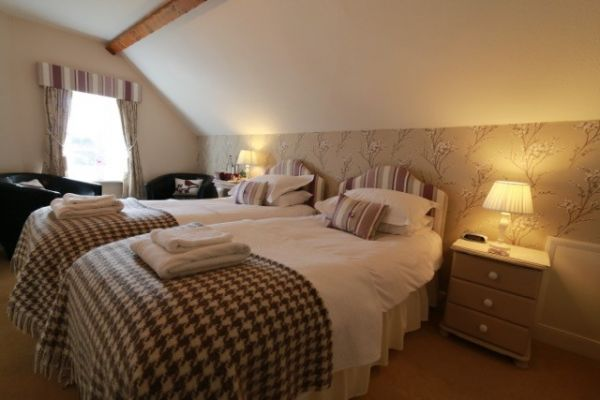 Twin Bedroom - Room 7