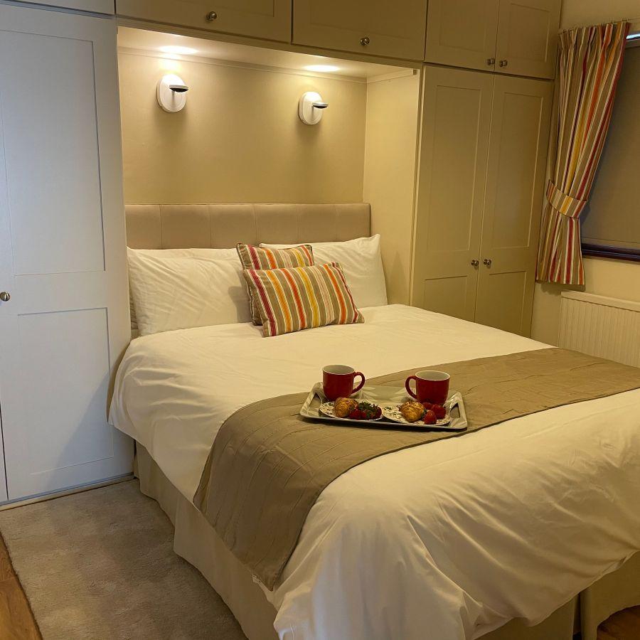 Master bedroom Midwood Lodge