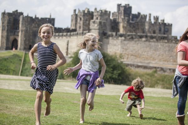 Alnwick Castle 2020 opening and Easter holidays!