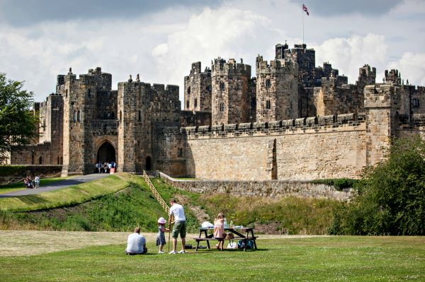 Alnwick Castle Historic Sites In Alnwick Visit Northumberland