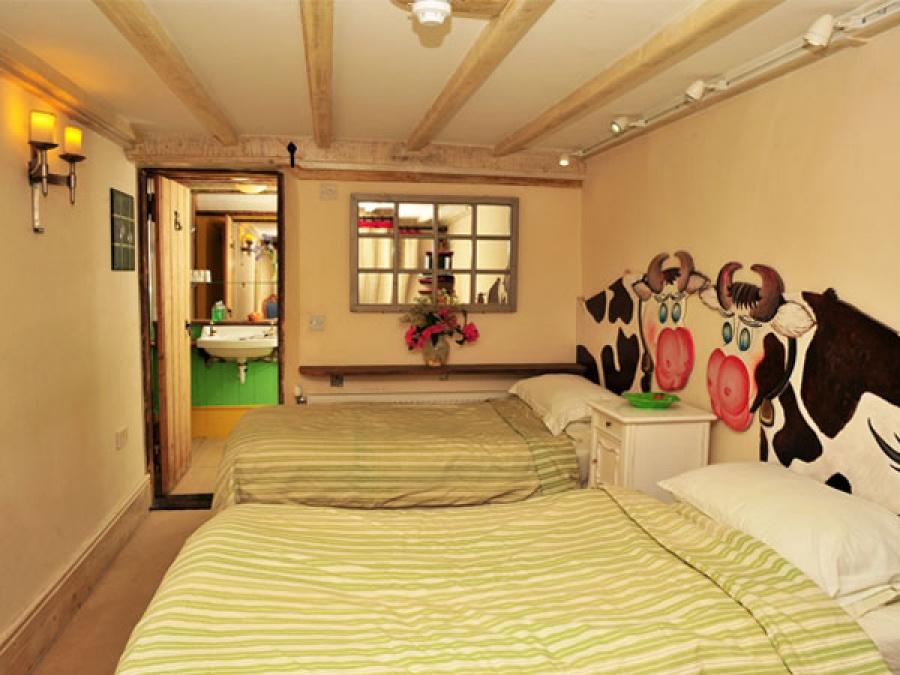 Loose Box Bedroom