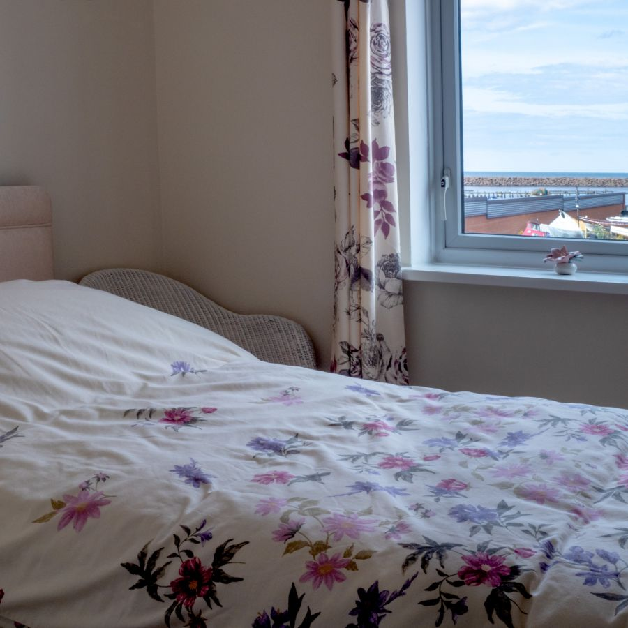 Single bedroom with view to harbour