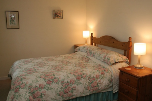 Appletree cottage bedroom