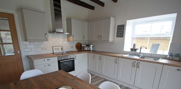 Kitchen diner at Archway Cottage