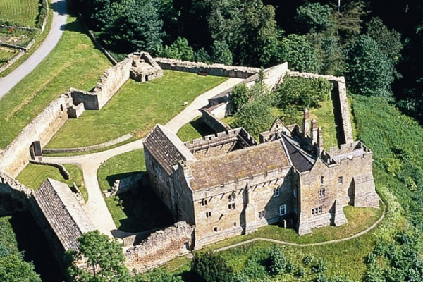Aerial photo of Aydon Castle