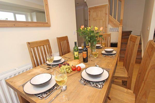 Beachcombers Retreat,dining area in kitchen