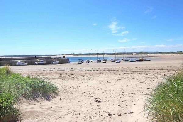 Beachy Point, Beadnell, beadnell beach