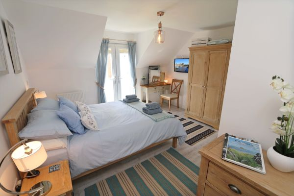 Beachy Point, Beadnell, lovely master bedroom with en-suite shower room