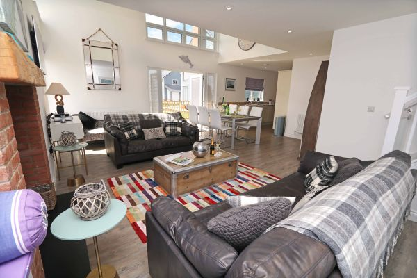 Beachy Point, Beadnell, open plan lounge
