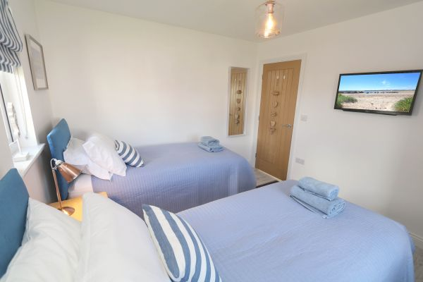 Beachy Point, Beadnell, twin bedroom with TV