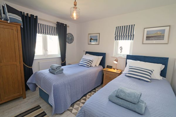 Beachy Point, Beadnell, twin bedroom with sea views