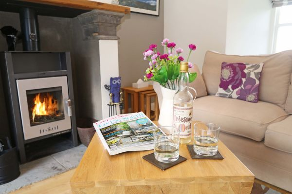 Blue Barn, Bamburgh - cosy log burner